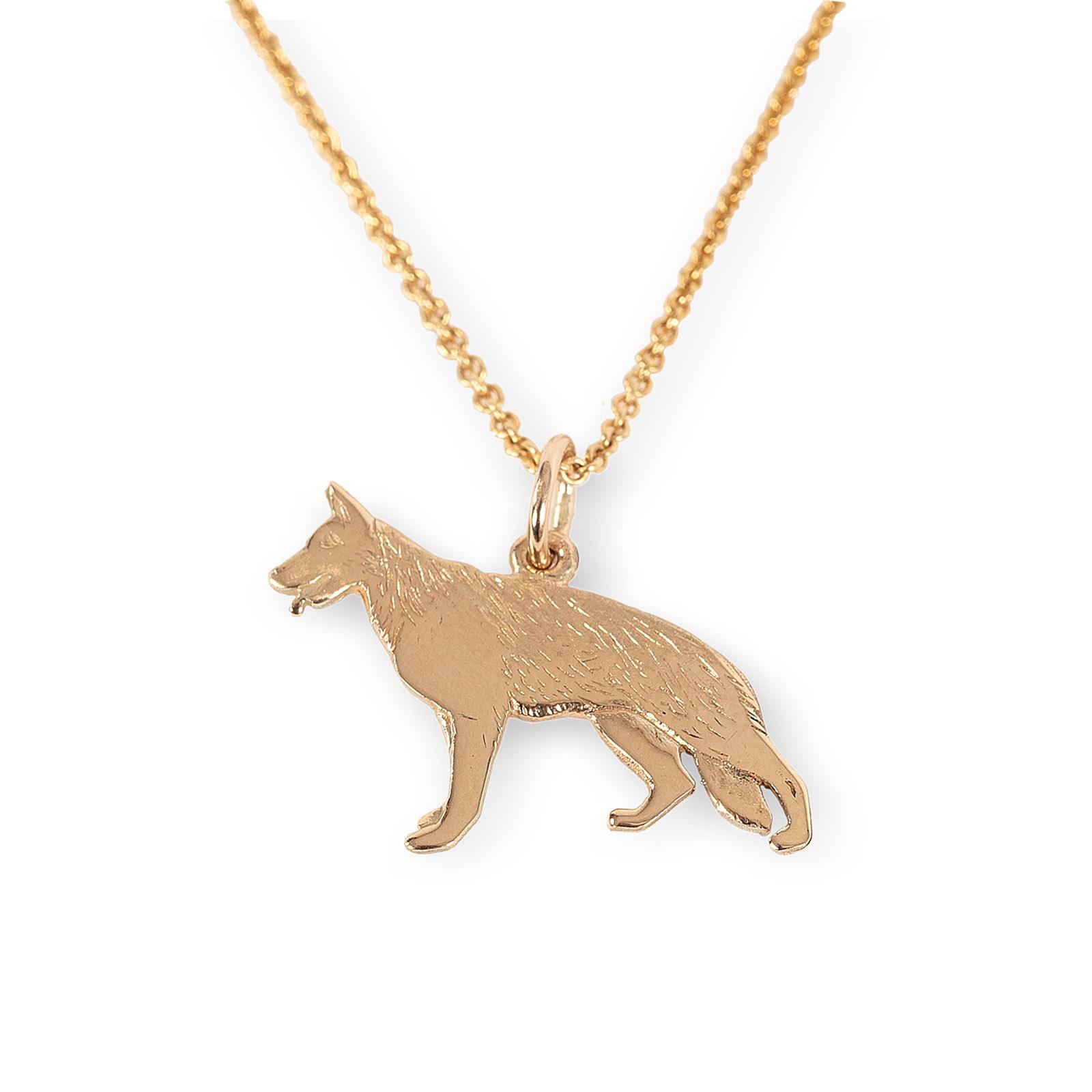 Mestergull Schäferhund anhneg i gult gull - Disse Schäferfund smykkene er designet på eget verksted. De blir støpt for oss, og ferdigstilles på eget verksted. De kan kjøpes i vår butikk eller i vår nettbutikk. EGET MERKE Anheng
