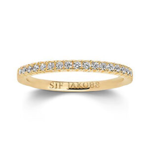 Mestergull Ring i sølv 925S forgylt med 18K gull, med blankpolert overflate og fasettslepne klare Zirkonia. SIF JACOBS JEWELLERY Ellera Ring