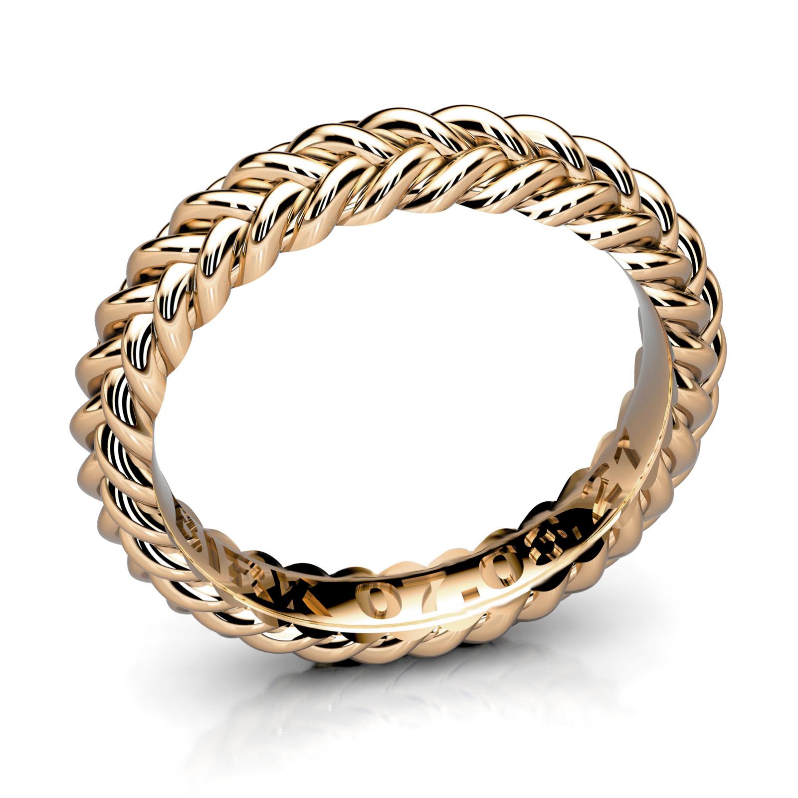 Mestergull Forlovelsesring utviklet for kunde. Ringen er utført i gult gull 585 med kraftig tekst direkte i formen. DESIGN STUDIO Spesialdesign Ring