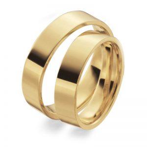 Mestergull Denne ringprofilen er flat utenpå med rette kanter, men innvendig er den buet for å gi god komfort. Her vist i gult gull og 5,0 mm bredde. Prisen nedenfor er pr. ring. LYKKERINGENE Eksempel Ring
