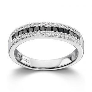 Mestergull Tøff irng i hvitt gull med hvite og sorte diamanter MG DIAMONDS Ring