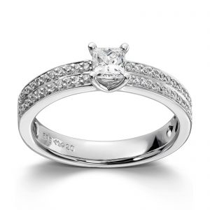 Mestergull Klassisk ring i hvitt gull med brillianter og princess cut diamanter MG DIAMONDS Ring