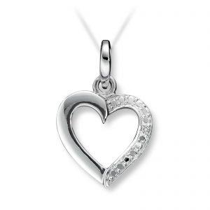 Mestergull Elegant hjerteanheng i hvitt gull med diamant MESTERGULL Anheng