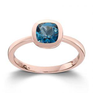 Mestergull Fin ring i rødt gull med london blue topas MESTERGULL Ring