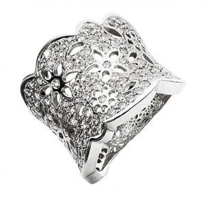 Mestergull Lace Ring Stor i 18 K Hvitt gull pavé med 133 diamanter totalt 1,65 ct. TwVs LYNGGAARD Lace Ring