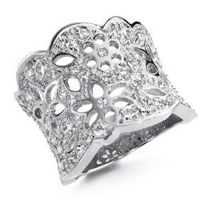 Mestergull Lace Ring stor i 18 K Hvitt gull pavé med 69 diamanter totalt 1,29 ct. TwVs LYNGGAARD Lace Ring