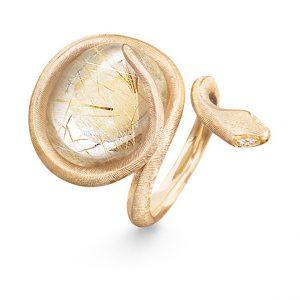 Mestergull Snakes ring i 18 K Gult gull med rutilkvarts og 4 diamanter totalt 0,02 ct TwVs LYNGGAARD Snakes Ring