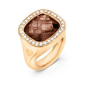 Mestergull Cushion ring i 18 K Gult gull med røkkvarts 12x13mm og 30 diamanter totalt 0,30 ct. TwVs LYNGGAARD Cushion Ring