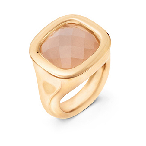 Mestergull Cushion ring i 18 K Gult gull med blush månesten 12x13mm blank overflate LYNGGAARD Cushion Ring