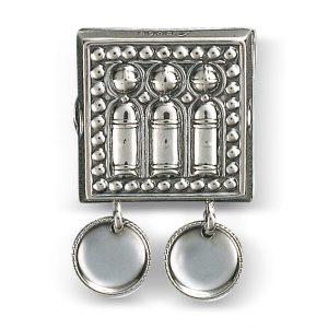 Mestergull Beltestøl i oksidert sølv. Monteres på skinnlist. eller stoffbelte med monteringsringane bakpå. NORSK BUNADSØLV Belte