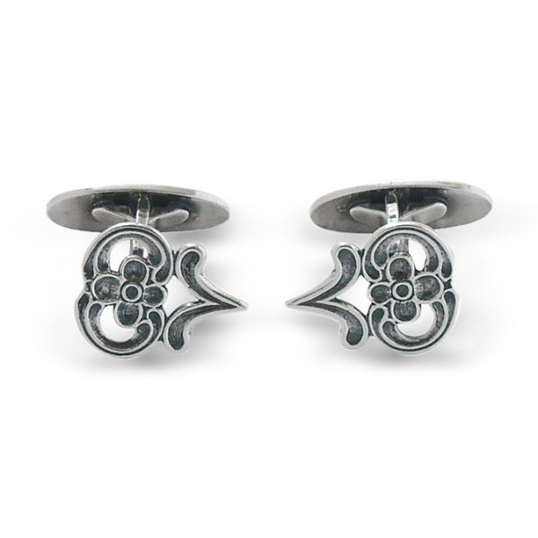 Mestergull Mansjettknapper i oksidert sølv, spesielt laget til Østerdal- og Hedmarksbunad. NORSK BUNADSØLV Mansjettknapp