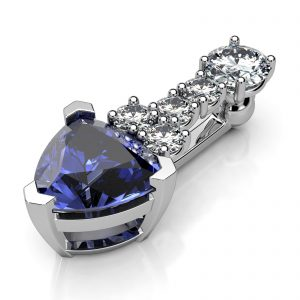 Mestergull Anheng med klipsmekanisme for bruk på perlekjede er utviklet for kunde. Fattet med Tanzanite 7,4 mm og diamanter. Totalt 0,45 ct. HSI DESIGN STUDIO Spesialdesign Anheng