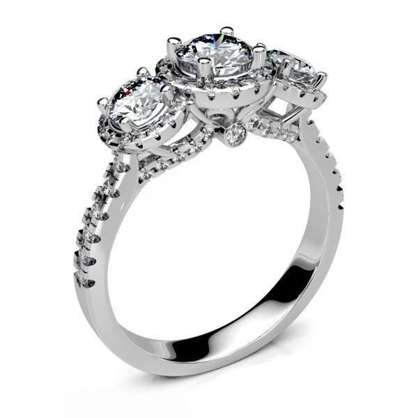 Mestergull Romantisk ring i hvitt gull 585 med 85 diamanter, totalt 1,19 ct. HSI. Her er noen arvede diamanter gjenbrukt og nye tilført. DESIGN STUDIO Spesialdesign Ring