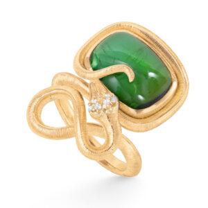 Mestergull Snakes ring i 18kt gult gull med 6 diamanter, totalt 0,04ct TwVs og grønn turmalin 15x11 9,7ct LYNGGAARD Snakes Ring