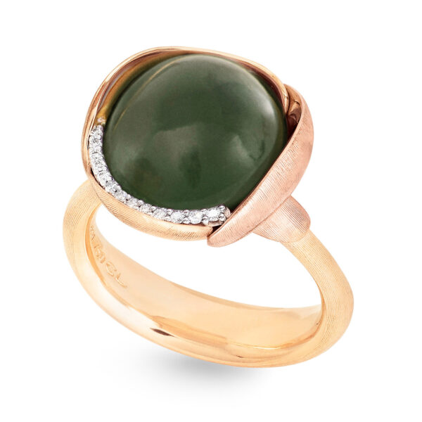 Mestergull Lotus ring str. 3 i 18kt. gult gull med to blad i rosé gull -13 diamanter totalt 0,05 ct. TwVs - Serpentin LYNGGAARD Lotus Ring