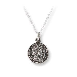 Mestergull Trendy anheng i oksidert sølv med mynt GID Anheng