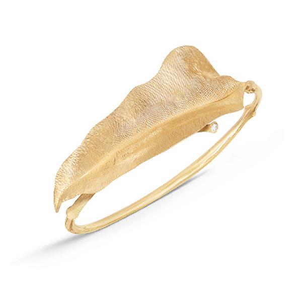 Mestergull Leaves armring stor i 18 kt. gult gull med 1 diamant toalt 0,03 ct. TwVs (15, 16, 17, 18 cm) LYNGGAARD Leaves Armring