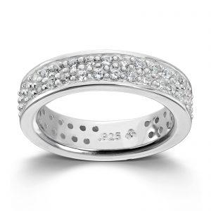 Mestergull Sølv ring med hvite swarovski krystaller. Denne er fin i kombinasjon med flere ringer fra GID Stackable GID Stackable Ring