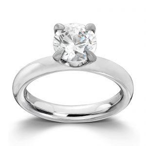 Mestergull Sortrhodinert sølv ring med hvit cubic zirkonia. Denne er fin i kombinasjon med flere ringer fra GID Stackable GID Stackable Ring