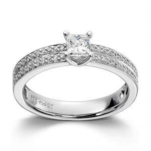 Mestergull Klassisk ring i hvitt gull med brillianter og princess cut diamanter MG DIAMONDS Ring