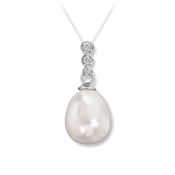 Mestergull Delikat anheng i hvitt gull med diamanter og ferskvannsperler MG DIAMONDS Anheng