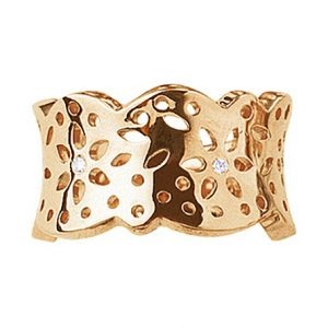 Mestergull Lace Ring medium i 18 kt. gult gull med 4 diamanter totalt 0,04 ct. TwVs, blank overflate LYNGGAARD Lace Ring