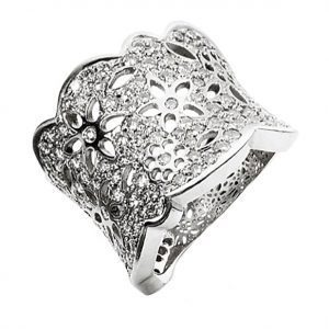 Mestergull Lace Ring stor i 18 kt. hvitt gull pavé med 133 diamanter totalt 1,65 ct. TwVs LYNGGAARD Lace Ring