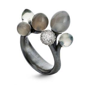 Mestergull Ring Midnight i sølv pavéknopp med 67 diamanter totalt 0,39 ct TwVS og månestener LYNGGAARD Midnight Ring