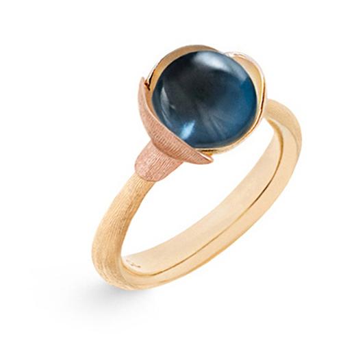 Mestergull Ring Lotus str. 1 i 18 K Gult gull med to blad i rosé gull - London blå topas LYNGGAARD Lotus Ring