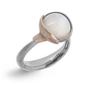 Mestergull Ring Lotus str. 2 i 18 K Hvitt gull med to blad i urhodinert hvitt gull - Hvit månesten LYNGGAARD Lotus Ring