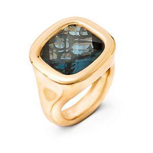 Mestergull Cushion ring i 18 K Gult gull med London blå topas 12x13mm blank overflate LYNGGAARD Cushion Ring