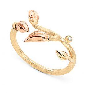 Mestergull Blooming ring i 18 K Gult gull og 3 blad i rosé gull med 1 diamant totalt 0,01 ct TwVs LYNGGAARD Blooming Ring