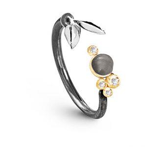 Mestergull Forest ring liten i sølv med 18 K Gult gull detaljer 4 diamanter totalt 0,038 ct. TwVs Grå månesten LYNGGAARD Forest Ring