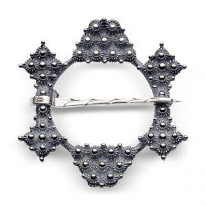 Mestergull Halsring i oksidert sølv. NORSK BUNADSØLV Sølje