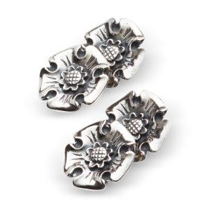 Mestergull Mansjettknapper i oksidert sølv med motivet Trondheimsrose NORSK BUNADSØLV Mansjettknapp