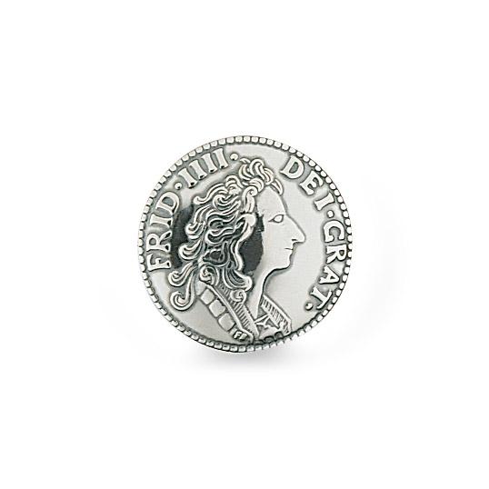 Mestergull Myntknapp i oksidert sølv. NORSK BUNADSØLV Knapp