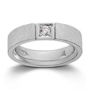 Mestergull Ring i hvitt gull med 1 dia. 0,15 carat TWSI. Det er mulig å fatte flere dia. i ringen. Pris pr. dia. inkl. arbeid kr 7500,- VAN BERGEN Classic Ring