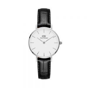 Mestergull Hvitt møter svart i denne nydelige kombinasjonen av ren minimalisme og klassisk, krokodillemønstret svart lær. Kle deg stilig eller bruk den sammen med jeans og t-skjorte for en mer hverdagslig look. DANIEL WELLINGTON Ur