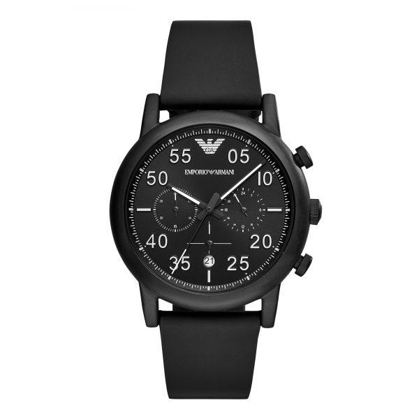 Mestergull Dette aviator-inspirerte herre Emporio Armani uret er stilig utstyrt med en matt svart IP-kasse, svart solbrent chronograph urskive og en matt svart ruberisert lærrem. ARMANI Ur