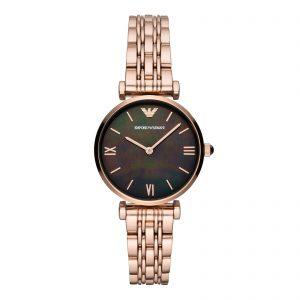 Mestergull Denne 32mm klokken har en glanset svart perlemorskive, tohåndsbevegelse og rosa gull-tone stålarmbånd. ARMANI Ur