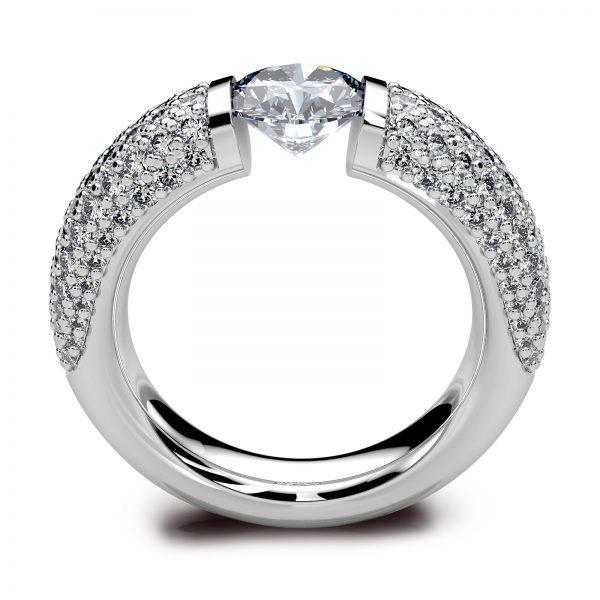 Mestergull Spennring i hvitt gull 585 i kraftig utførelse. Senterstenen er 1,00 ct. og ringskinnen er pavert med hele 134 diamanter med en samlet vekt på 1,00 ct. Total diamantvekt for denne ringen er 2,00 ct. HSI DESIGN STUDIO Spesialdesign Ring