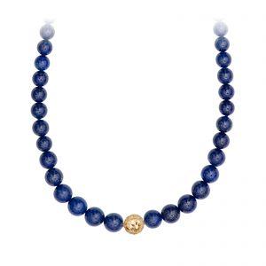 Mestergull Kjede med lapis lazuli tredd i forløp med dupper for å brukes til lås. Evil eye i 18kt Gult gull (ikke lås). 65 cm. LYNGGAARD Kjede