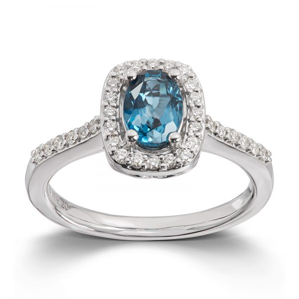 Mestergull Elegant ring i hvitt gull med London blue topas og diamanter MG DIAMONDS Ring