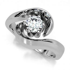 Mestergull Ring i hvitt gull 585 med diamant 0,30 ct. HSI, utviklet for kunde etter bilder av tapt ring. DESIGN STUDIO Solitaire Ring