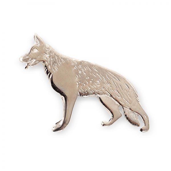 Mestergull Schäferhund pin i sølv - Disse Schäferfund smykkene er designet på eget verksted. De blir støpt for oss, og ferdigstilles på eget verksted. De kan kjøpes i vår butikk eller i vår nettbutikk. EGET MERKE Nål