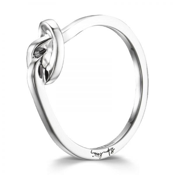 "Mestergull Vakker Love Knot ring i sølv - ""A love knot for the hope that we always keep together"" - Efva Attling EFVA ATTLING Love Knot Ring"