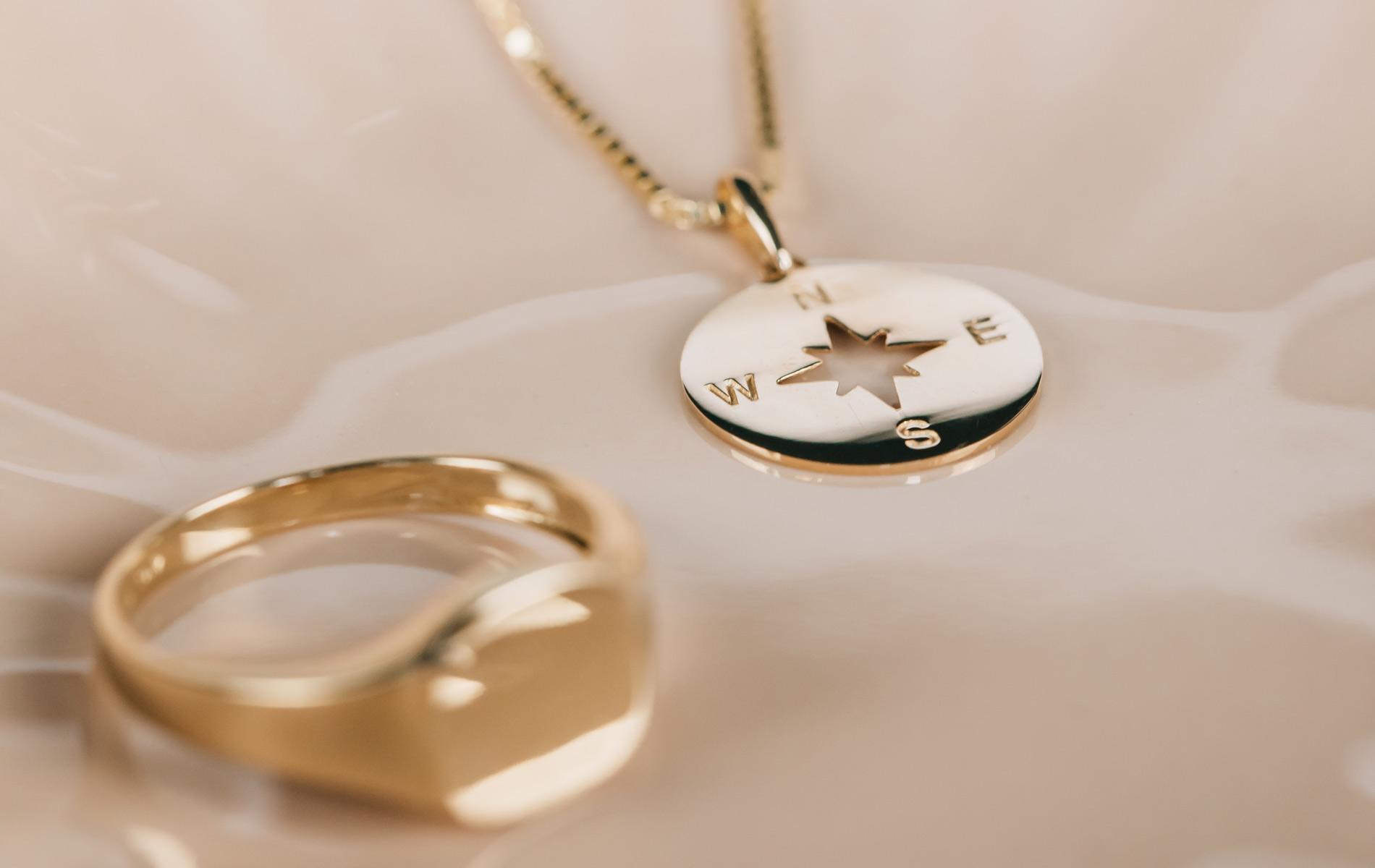 Symbolanheng i gull