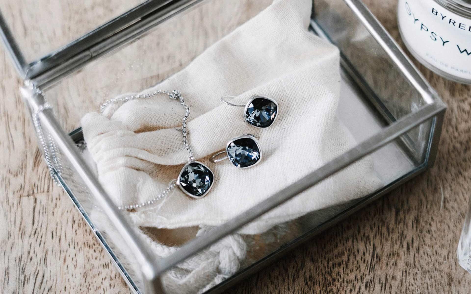 Gid Sett i sølv med blå CZ