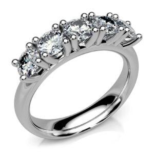 Mestergull Rekkering i hvitt gull 585 med 5 diamanter à 0,25 ct. Designet er basert på MILL. Totalt 1,25 ct. FVVS DESIGN STUDIO Spesialdesign Ring