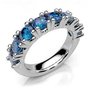 Mestergull Kraftig ring i hvitt gull 585 spesialdesignet til kundens 8 safirer. Ringen er utført massiv og med runde organiske former for god komfort DESIGN STUDIO Spesialdesign Ring